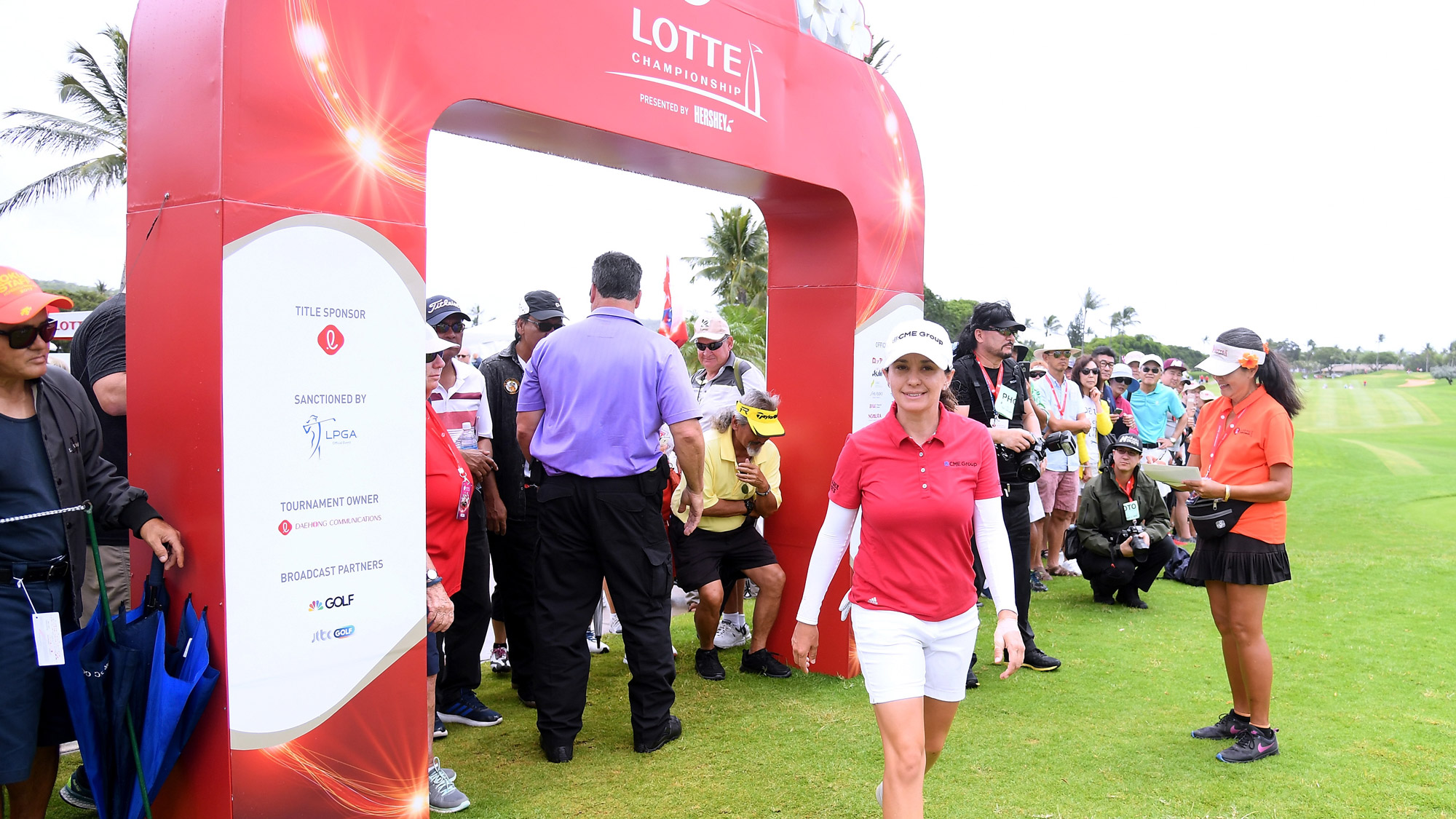 Mo Martin Heads to Tee One