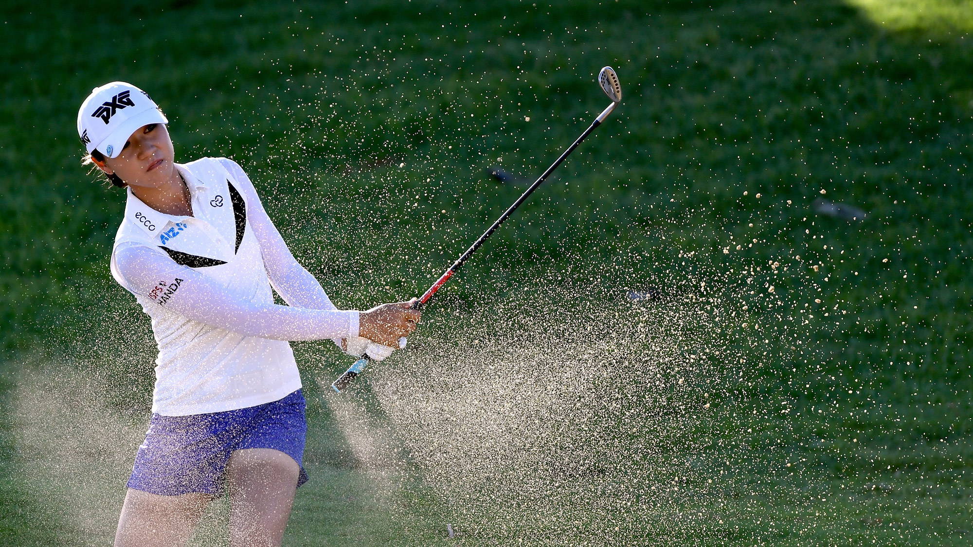 Lydia Ko Powers Out of Bunker in Hawaii